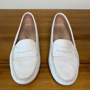 Tods Gommino Driving Loafer Womens Shoe Size EU 40